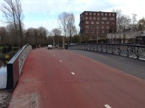 foto nieuwe fietsbrug is open